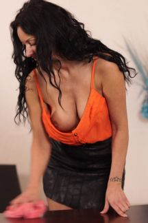 cassie-clarke-cleaning-cleavage-100