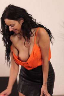 cassie-clarke-cleaning-cleavage-104