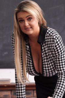 katie-t-miss-big-tits-104