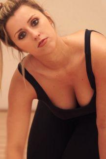 louise-cleavage-voyeur-103