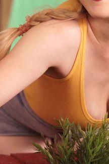 lucy-lume-sneak-peek-at-my-nipple-102