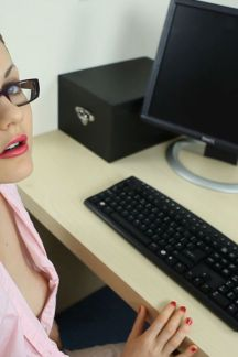 tina_kay_a_day_in_the_office_hd_0h00m12-000s