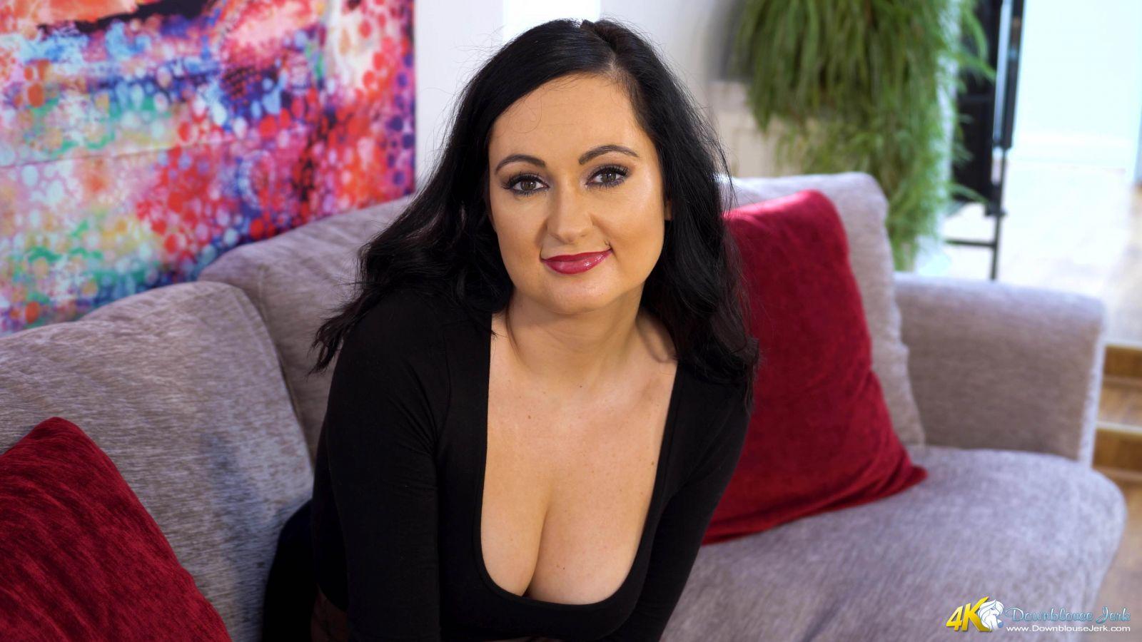 Bonnie Titty Tease 103