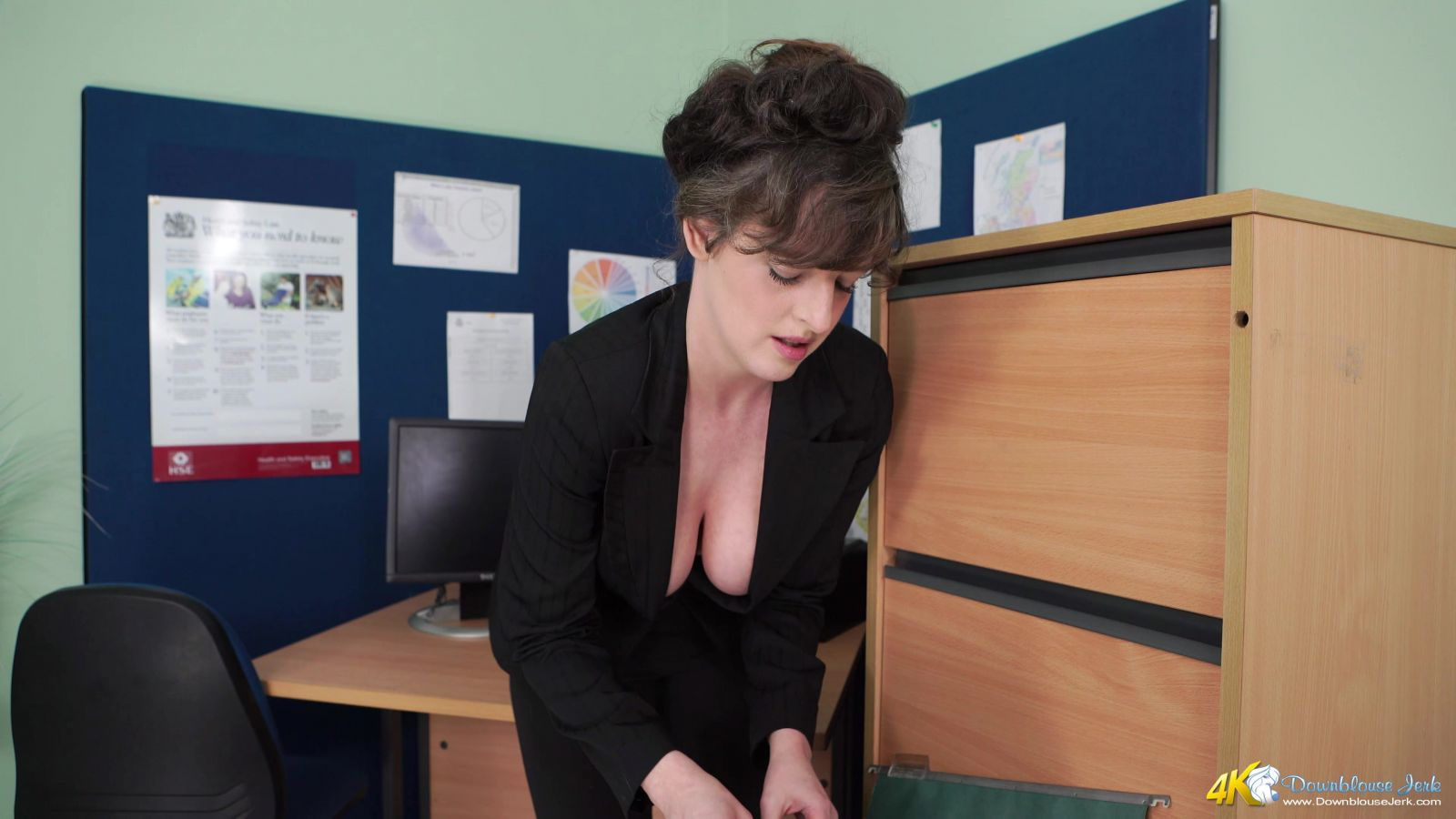 Kate Anne Cleavage Promotion 111