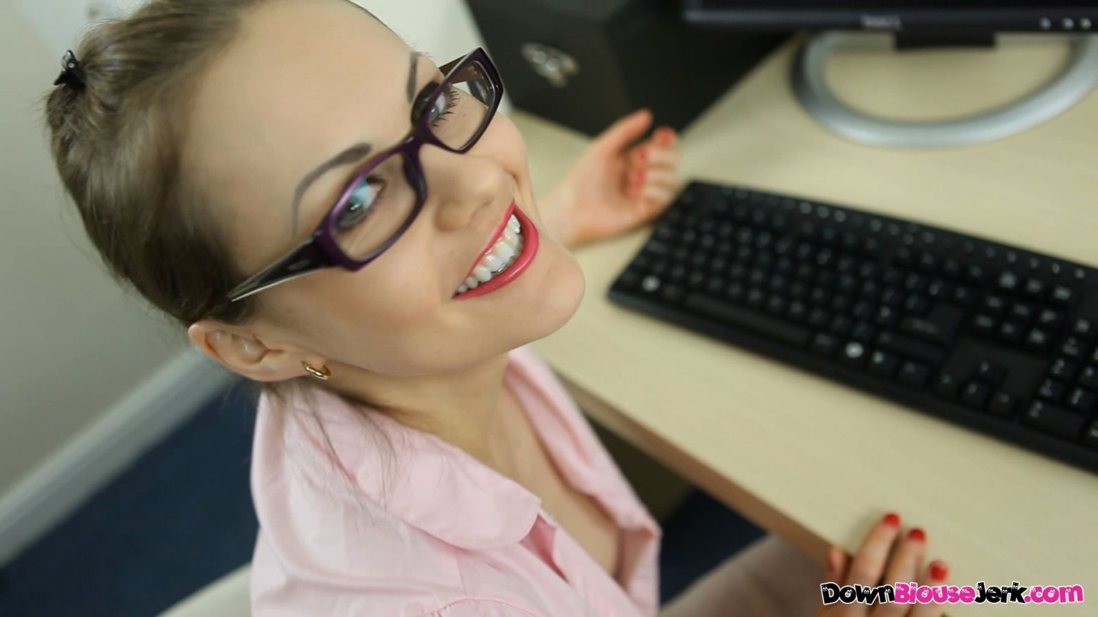 Tina Kay A Day In The Office Hd 0h00m57 000s